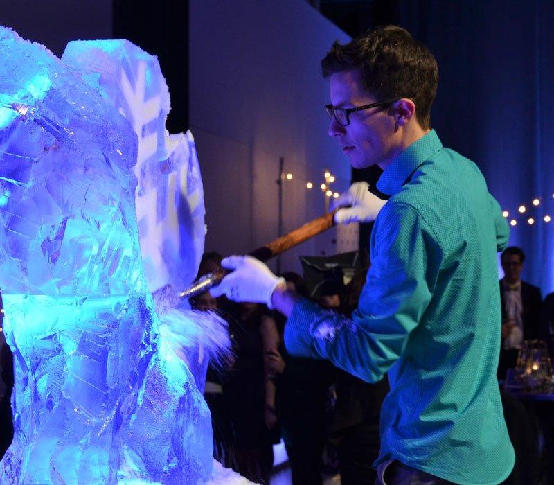 Prestation de sculpture sur glace