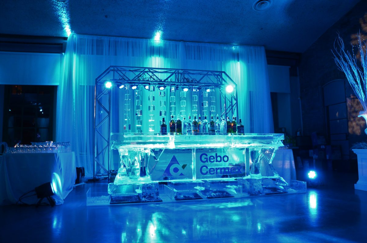 sculpture sur glace entreprises godon osez briser la glace. Black Bedroom Furniture Sets. Home Design Ideas